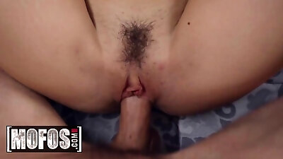 Horny Hungarian brunette Madison Parker has super sexy feet. This man can not resist and starts to lick every toe. Madison likes it and decides to pre