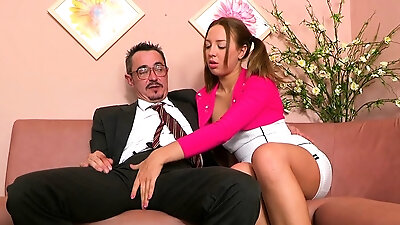 Leggy babe Crystal Rae ends up with blowjob and rides her stud on top