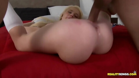 Motel Pickup Fuck - She Dragged Me To Her Room